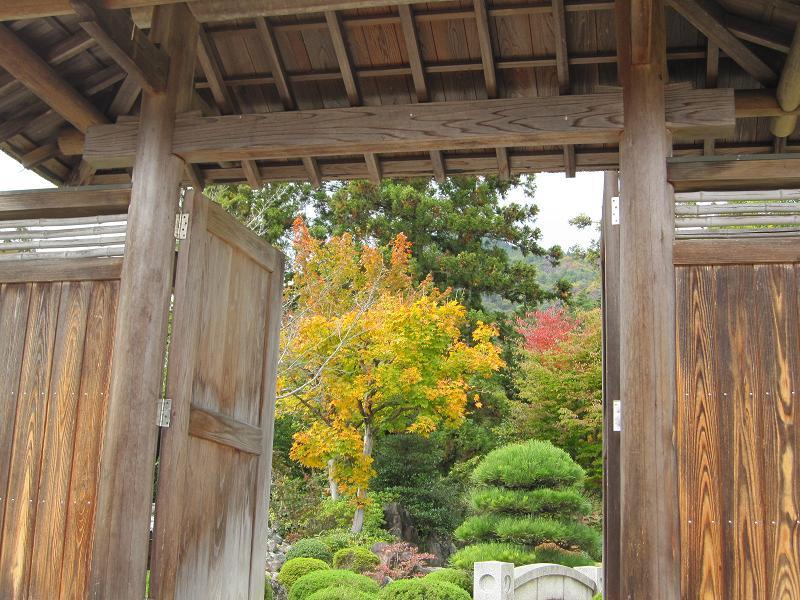 日本庭園入口門